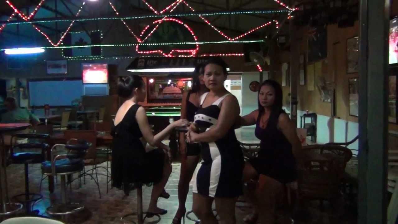 Femmes célibataires dans Hua Hin soliel
